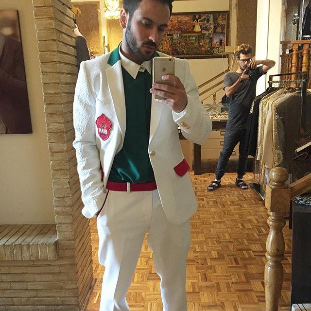 لباس نهایی طراحی شده برای المپیک بر تن کامران بختیاری