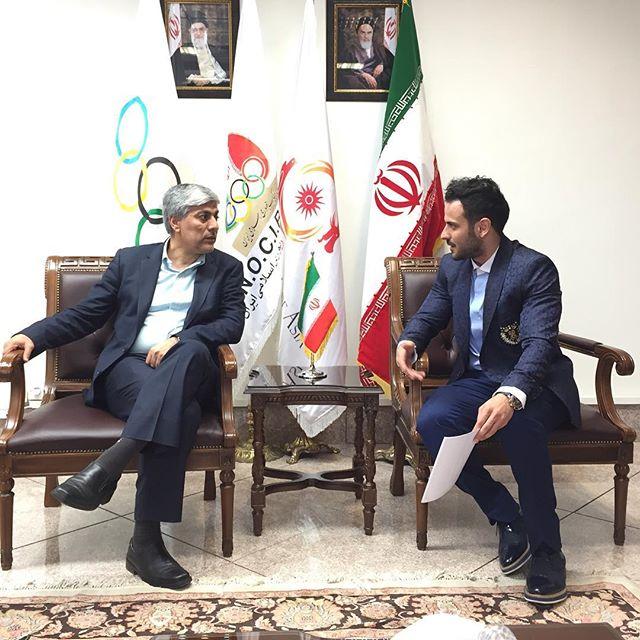 جلسه کامران بختیاری طراح لباس المپیک با هاشمی